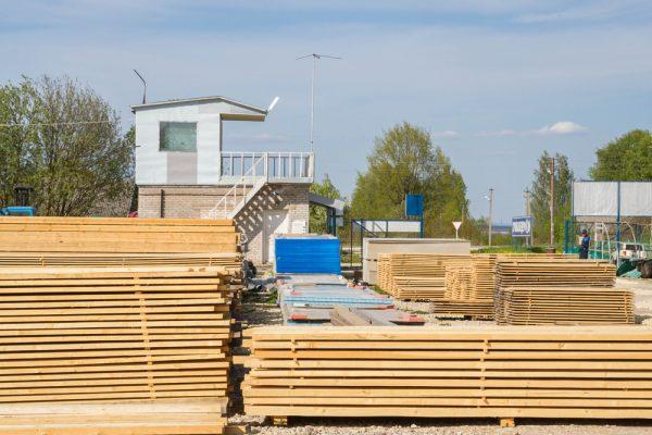 建設資材搬入事業(揚重・荷揚げ)